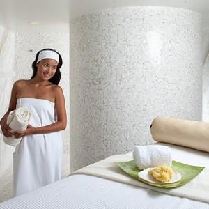 Monogrammed Towel Wrap: Unique Meets Luxury