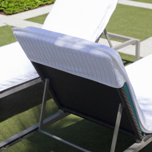 Best Terry Cloth Lounge Chairs for the Summer