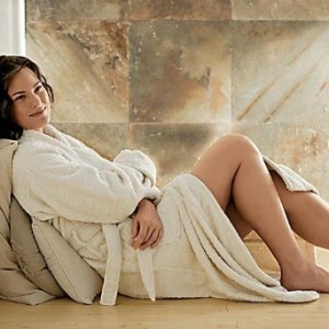 3 Reasons Why You Should Use Hotel Style Bathrobes at Home