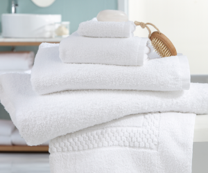 How to Remove Stains From a Bathrobe