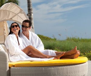Picking the Best Bathrobe Material for Your Hotel's Bathrobes